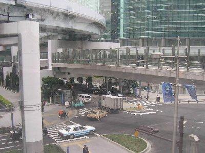 新橋・・道路